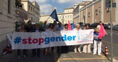 Massimo Gandolfini mette in guardia dai pericoli del disegno di legge sull'omotransfobia